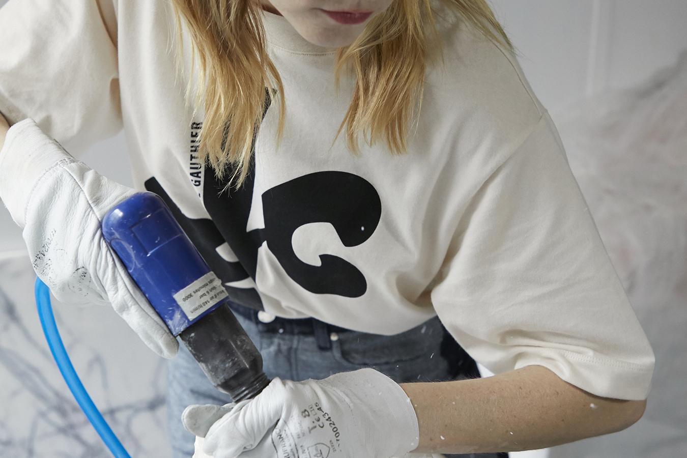 Fiona-Dana Armour artiste plasticienne x Valentine Gauthier.