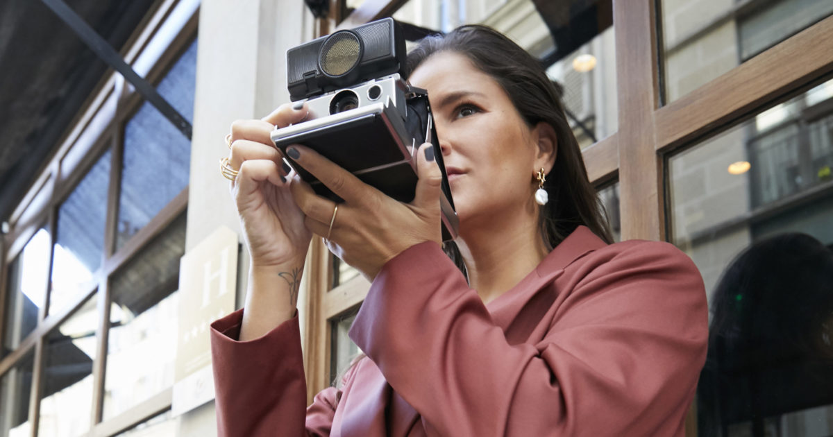 Gili Biegun stylist, photographer and publisher - Valentine Gauthie